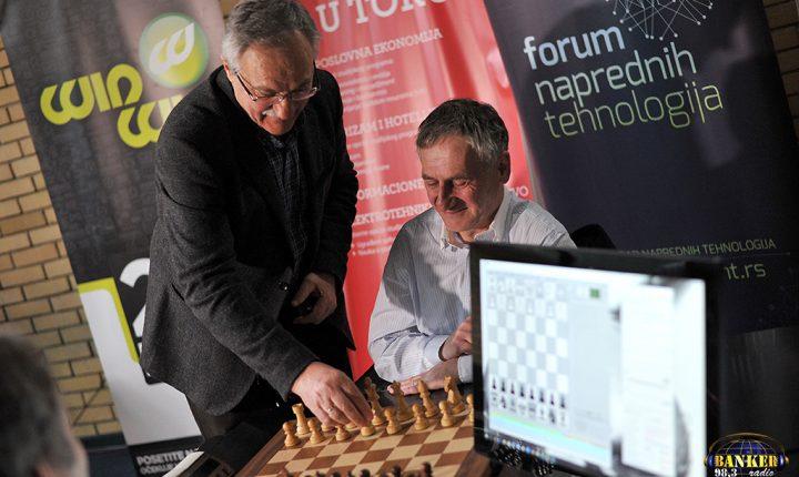 Na Univerzitetu Singidunum snage odmerili šahovski velemajstor i kompjuter